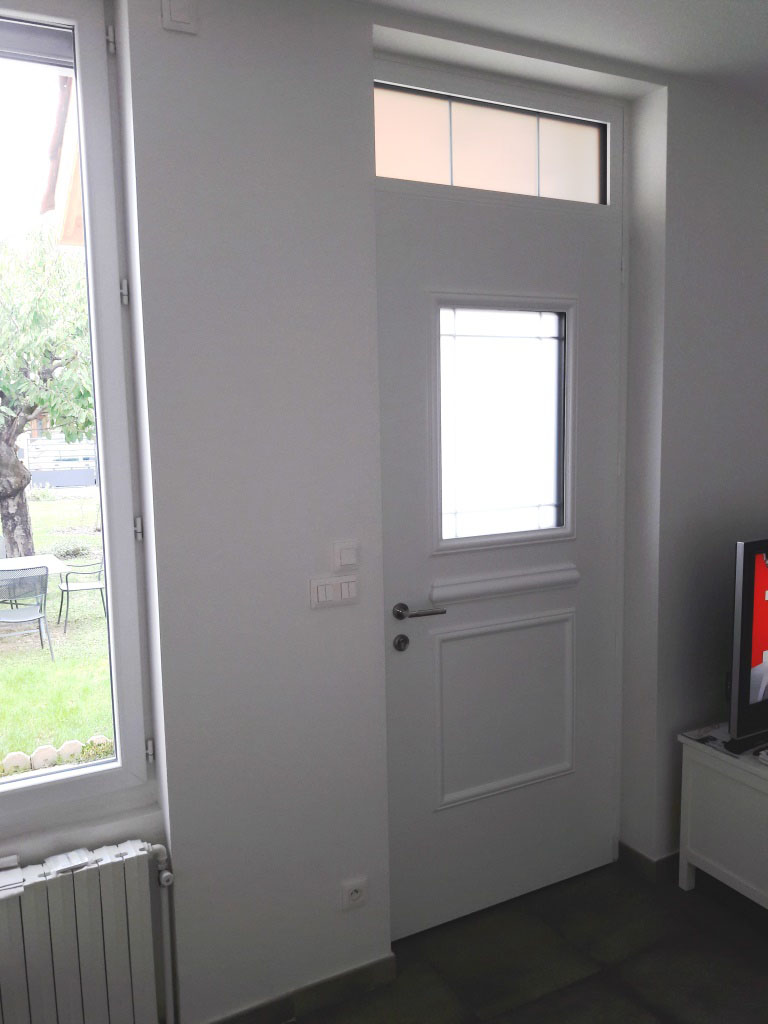 porte alu mod le creative inter. Black Bedroom Furniture Sets. Home Design Ideas